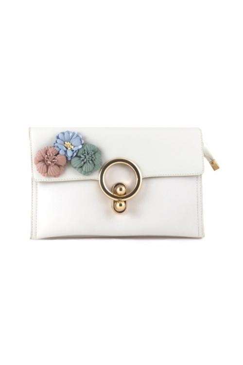 Елегантна малка дамска чанта в бял цвят