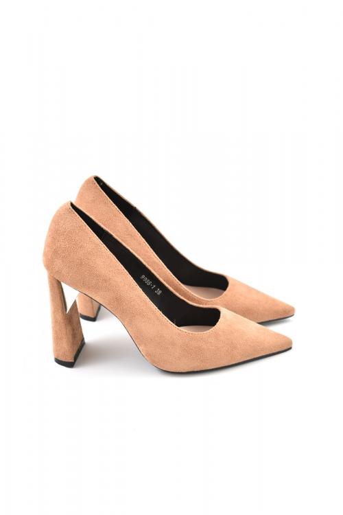Дамски обувки на висок ток, бежови